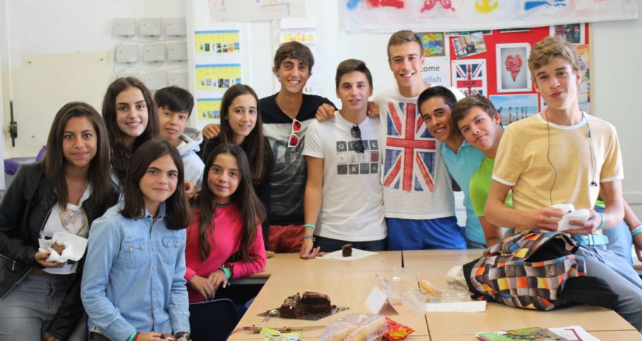 Homestay English UK students meet up
