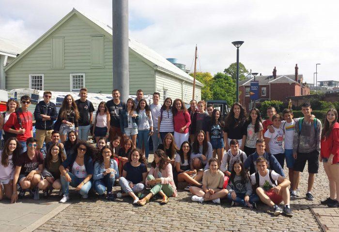 Perché viaggiare all'estero è importante per i giovani