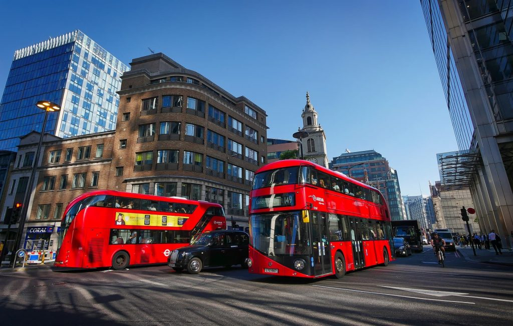 10 Unmissable UK Day Trips London Bus