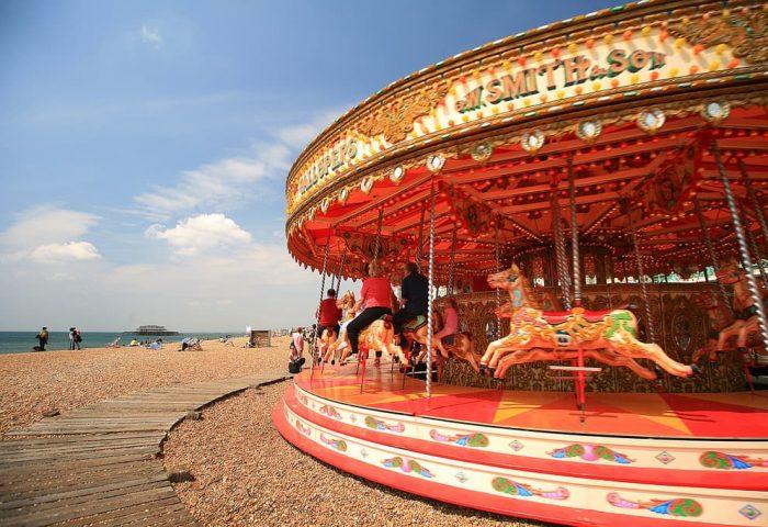 Alloggio in famiglia a Brighton | In che modo i soggiorni in famiglia avvantaggiano il visitatore, l'host e la comunità