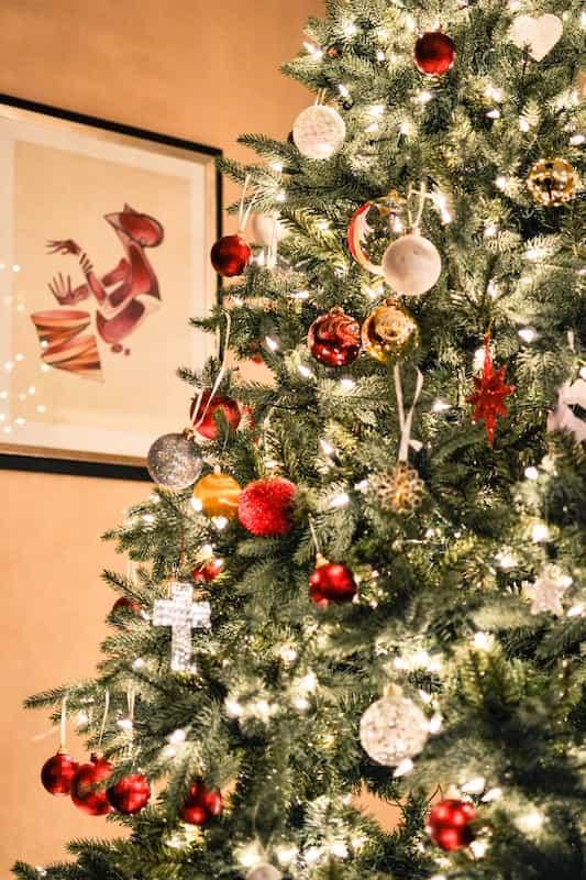 Christmas Tree - History Of Christmas Crackers