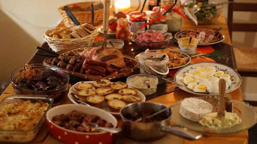 England Christmas Dinner.What Is The History Of Christmas Dinner English Language